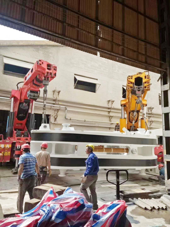 200吨随车吊吊装设备