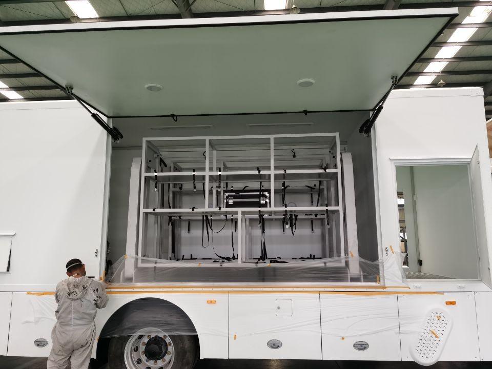 车载液压吊机