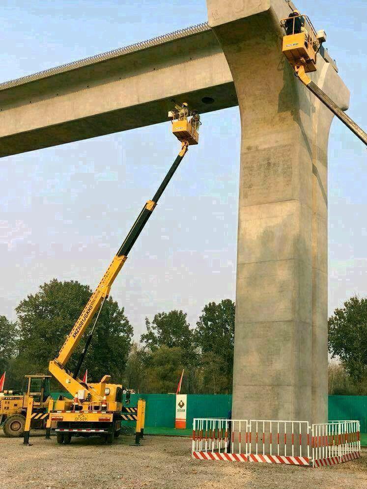 高空车路楼维修作业