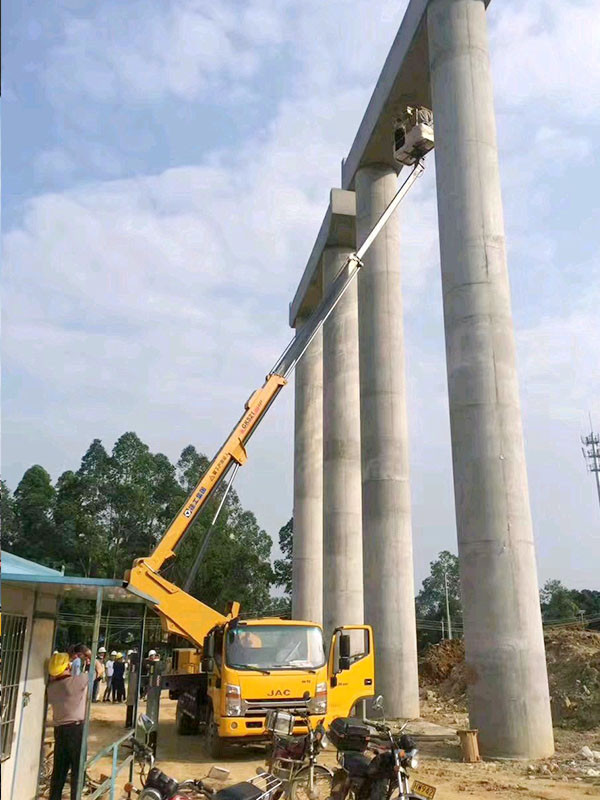 高空车路桥安装维修作业