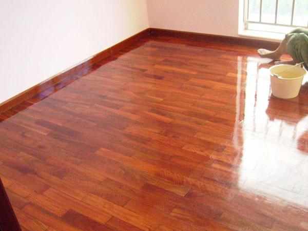木地板翻新打蜡