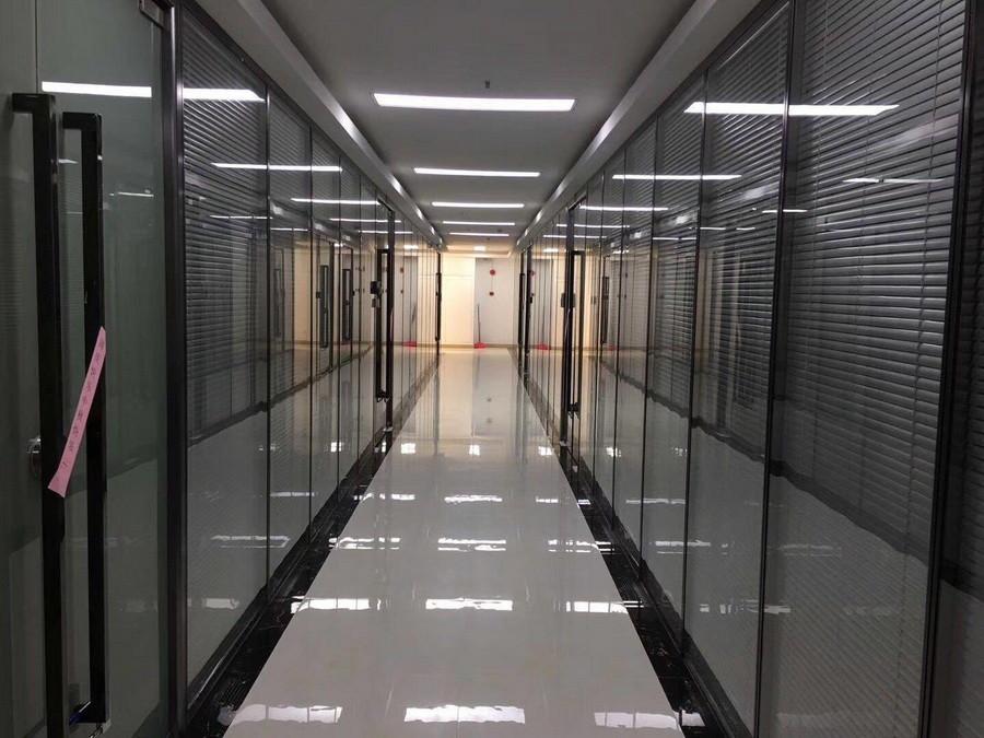 玻璃走廊隔断定做安装
