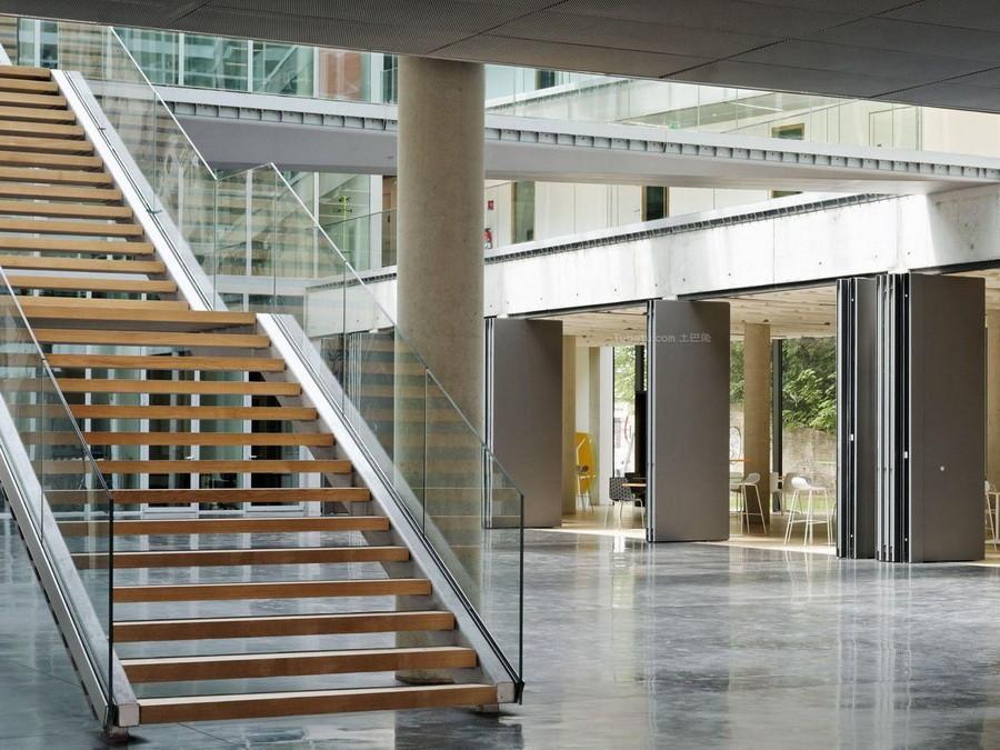 玻璃楼梯安装