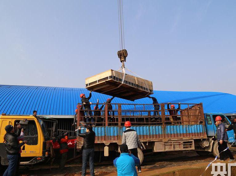 广州吊设备机器