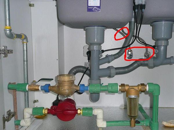 洗菜盆下水管漏水 修换洗菜盆排水管
